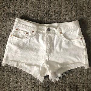 New Levi's 501 White Shorts 28